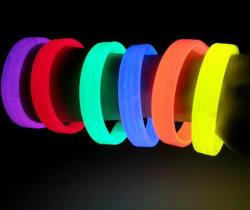Het Materiaal van het donkere LEIDENE van de Gloed Silicone van de Armband