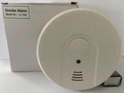 Installation au plafond fonctionne sur batterie de gros avertisseur de fumée photoélectrique testeur autonome