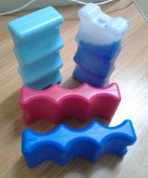 علبة جعة الجليد على الجانب المزدوج لصندوق الغداء - مبرد قابل لإعادة الاستخدام يحافظ على برودة 6-12 علبة صودا -- صلبة أزرق