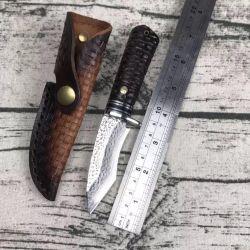 Lama dell'acciaio di Damasco con la maniglia di legno dell'ebano per caccia di campeggio