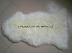 自然な本物の羊皮の実質の毛皮の長い毛の柔らかい敷物