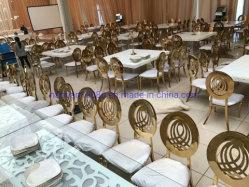 Chaise de salle à manger classique empilable de Ghost événements parti de location de mobilier Table en verre clair