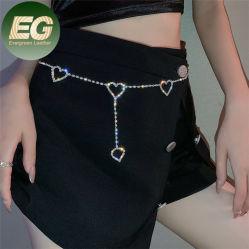 Ea054 Bling Rhinestone 디자이너 여성용 체인 링크 벨트는 드레스를 입습니다 벨리 보석 다이아몬드 하트 웨이스트 체인
