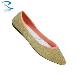 卸売の平たい箱のソックスはバレエの慰めのウォーキング・シューズの標準的なシャープの靴の女性Shoesおよび緑の靴に蹄鉄を打つ