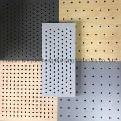 La madera de alta calidad panel perforado paneles decorativos decoración absorber Sond de insonorización acústica de madera interior de la Junta de pared