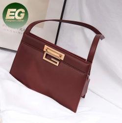 À la mode peau de vache de véritables sacs à main bandoulière en cuir de luxe sac fourre-tout gros personnalisée en usine pour dames Emg6037