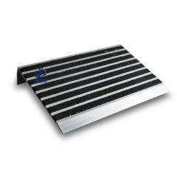 Het gebogen Betreden Besnuffelen van de Vuller van het Carborundum van de Veiligheid van de Basis van het Aluminium AntislipTrede