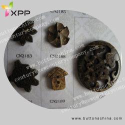 Coquille de noix de coco de couleur sombre boucle bouton Shell
