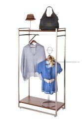 La memoria d'attaccatura del pattino della guida dei vestiti del basamento di legno del cappotto accantona la cremagliera dell'indumento