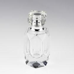 Olila のガラス車の香水のびんのペンダント 100ml 正方形の車 ディフューザーボトルパフュームが空になっています