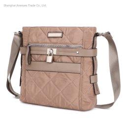 Sangle réglable Crossbody femmes sac carré en nylon avec verrouillage à fermeture éclair de la Courtepointe Sac occasionnels de poche