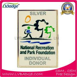 Badge en métal estampé avec logo personnalisé