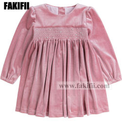 冬または秋の卸し売り子供の衣類Children´ Sの服装の女の子のピンクのSmockedの方法服