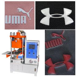 織物の衣服ファブリック3D帽子袋PVC昇華反射熱伝達の出版物機械を浮彫りにするゴム製ロゴプリンターシリコーンの印刷のラベルのTシャツの衣服