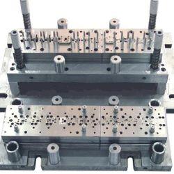 L'outil presse Fabricant de moule emboutissage de métal de perforation meurent du moule