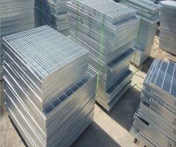 Robustes Baumaterial für Stahlgitter für Plattformen und Bodenkanäle. 323