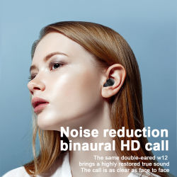 caso di carico della Banca di potere 1800mAh con le cuffie di Tws Bluetooth Earbuds/