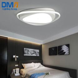 넘치는 마운트 보장 3 년을%s 가진 매트 까만 백색 아크릴 LED 천장 점화 이음쇠