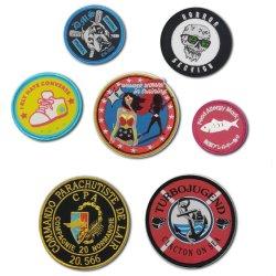 Vendita all'ingrosso abiti con logo personalizzato tessuto twill sfondo ricamato ferro distintivo Su patch Cartoon ANIME Patch
