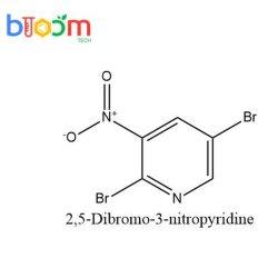 Reagente químico Bloom Tech 2, 5-dibromo-3-Nitropyridine CAS 15862-37-0