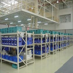 Nave industrial de metal de almacenamiento el tramo largo Prestaciones medias estanterías con plástico Bin