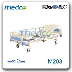 메탈 2 크랭크 2 기능 조절 가능한 의료용 가구 접이식 매뉴얼 Casters가 있는 환자 간호용 병원 침대