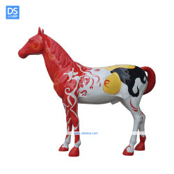 Material de fibra de vidrio resina personalizable Hand-Painted escultura caballo caballo Animal abstracta escultura forma