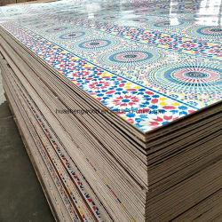Commerce de gros 4X8 Cheap polyester de couleur de contreplaqué décoratif