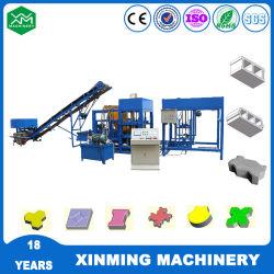Heißer Verkauf Qt4-18 Automatische Zement Hohl / Solid Brick Herstellung Maschine Pförtler Blockiermaschine