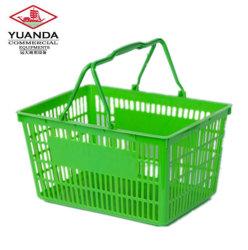 L'animale domestico pieghevole trasporta il cestino che il cane pieghevole trasporta il cestino