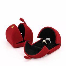Contenitore di plastica di anello delle coppie di Jewlelry di disegno speciale del velluto per l'aggancio