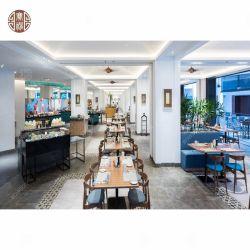 El restaurante del hotel simple mobiliario con silla de comedor boscosas