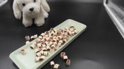Em cubos de frango em duas cores Cães Snacks Pet Food