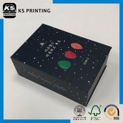 Quatro pequenos furos recortados papel cartão Caixa de Embalagem