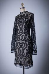 標準的な長袖のばねのイブニング・ドレスの円形の首
