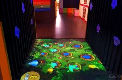 Juego Interactivo Gooest piso de la proyección de entretenimiento para niños Parque de Atracciones Piso proyección