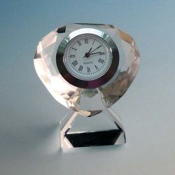 小さいギフトのハート形のガラスクロック水晶時計