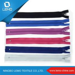 Doppio Cursore A Due Vie In Nylon Con Zip. Estrattore Per Pollice Chiusura Estremità In Nylon Zipper