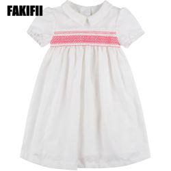 2019 Kinderen die van de Slijtage van de Jonge geitjes van de Lente de Fabriek Aangepaste Kleding van de Zomer van de Kleding Smocked van het Meisje de Witte kleden