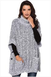 Heiße Verkaufs-Frauen, die Mantel-Strickjacke stricken