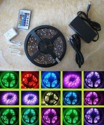 防水多色刷りの3528 LEDの滑走路端燈12V白いPCB 5mm LED RGBのストリップ