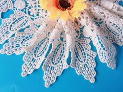 Wasserlösliche Qualitätsbaumwollspitze-Blumen-Dame-Form-Zubehör