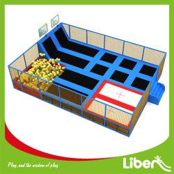 حديقة ترامبولين داخلية لمنطقة الأطفال أو مركز اللعب