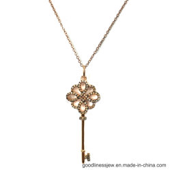 نمو مجوهرات 925 [سترلينغ سلفر] أو نحاس أصفر مدلّاة أساسيّة تكعيبيّ زركون مدلّاة زهرة مدلّاة لأنّ نساء