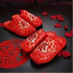 Interior da mola de casamento casal Home chinelos mulheres estilo chinês Noiva Noivos Contratante chinelos 36-45 Tamanho Grande Dom Chinelos