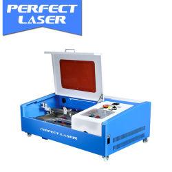 Mini portable de bureau pour la fabrication de machine à gravure laser CO2 Ruber timbres