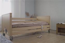 Base de madera Motor eléctrico de 5 funciones de enfermería del hospital de Medicare muebles cama Atención Domiciliaria para ancianos