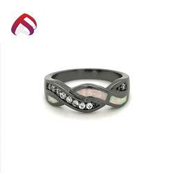 黒は販売のための925銀製のねじれの白いOpal宝石類をめっきした