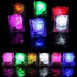 Glühenden Eis-Würfel der LED-Licht-leuchten die vielfarbigen grellen Partei-Licht-LED, die blinkenden Dekor blinken, Stab-Verein-Hochzeit