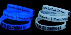 Высокое качество силиконовые браслеты с голубой запальных свечей в темноте